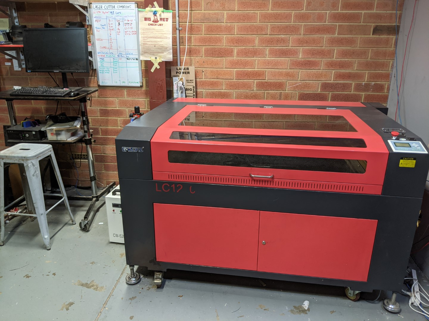 tools:lasercutters:big_red_photo.jpg
